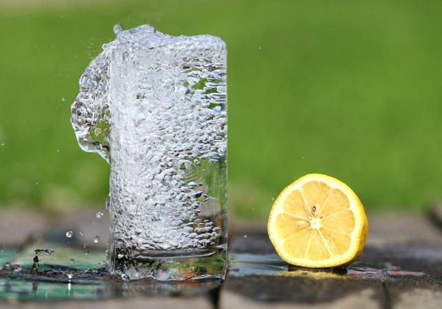water-glass-heat-drink-161425